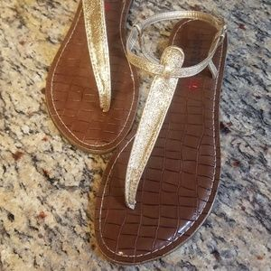 Gold Hot Kiss Sandal Size 10 Like New